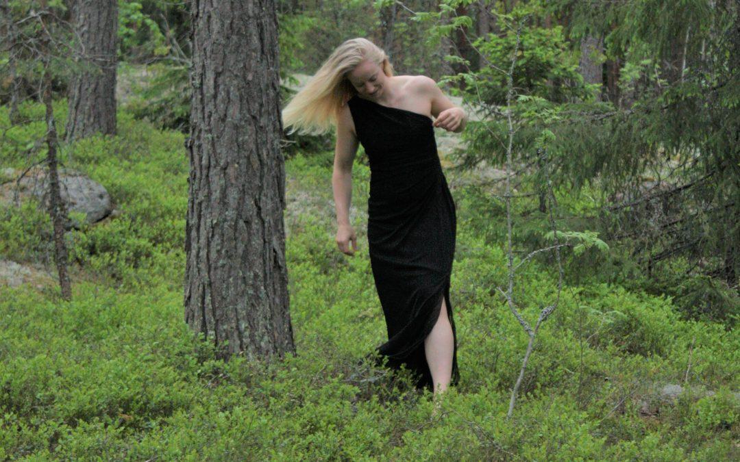 Menkää metsään